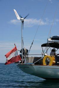 Kleinwindkraftanlage Superwind auf Segelschifft