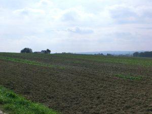 Standort des Windrads und Landschaft im nord-östlichen NRW