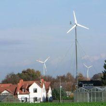 Kleine Windanlage und Windpark